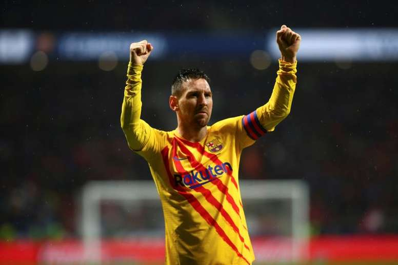 Bartomeu hopes Messi delays his retirement for as long as possible. EFE