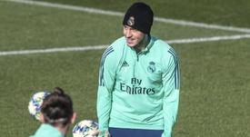 Hazard trabalha para estar de volta na partida contra o Barcelona. EFE/Rodrigo Jiménez/Arquivo