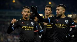 Gabriel Jesus marca dois golaços contra o Burnley. EFE/EPA/PETER POWELL