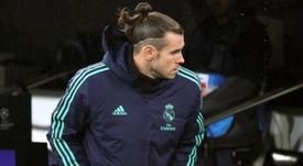 Bale, por cuarta vez, abandonó el Bernabéu en el 80'. EFE/Juanjo Martín