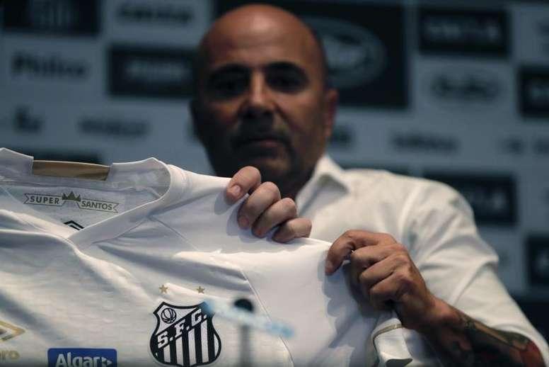 Sampaoli tiene una oferta y Santos busca sustituto. EFE/Fernando Bizerra