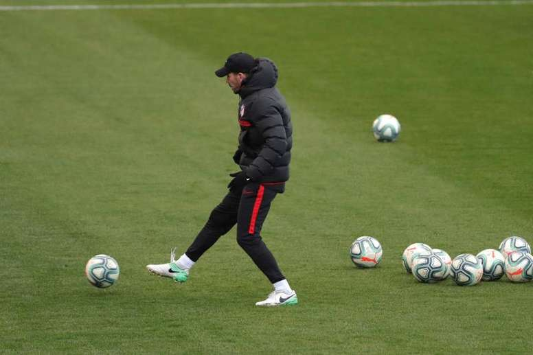Simeone perdió a tres jugadores en la vuelta al trabajo. EFE