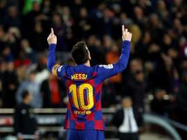 Está difícil de segurar Messi desde que se recuperou da lesão. EFE/Toni Albir
