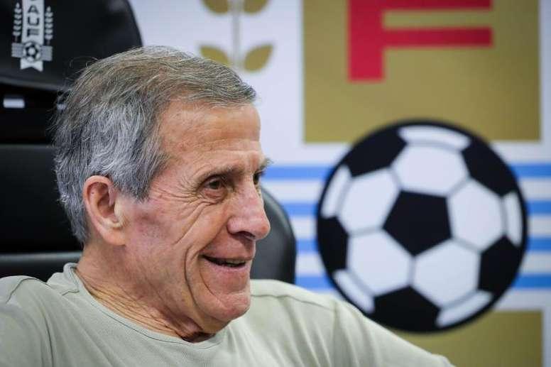 Uruguay libera a sus seleccionadores durante la crisis. EFE