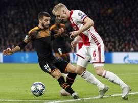 Gayà cree que el equipo bordó el plan ante el Ajax. EFE