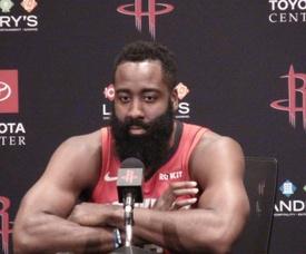 James Harden logró 55 puntos y ocho asistencias para los Rockets de Houston, que vencieron 110-116 a los Cavaliers de Cleveland. EFE/Marcelino Benito/Archivo
