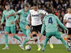 Valencia travel to Barcelona to finalize Rodrigo's transfer