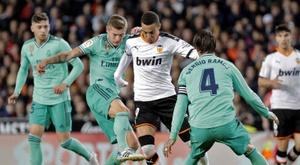 Valencia travel to Barcelona to finalize Rodrigo's transfer. EFE