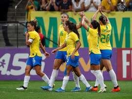Brasil vuelve a golear a México y acaba el año invicta. EFE