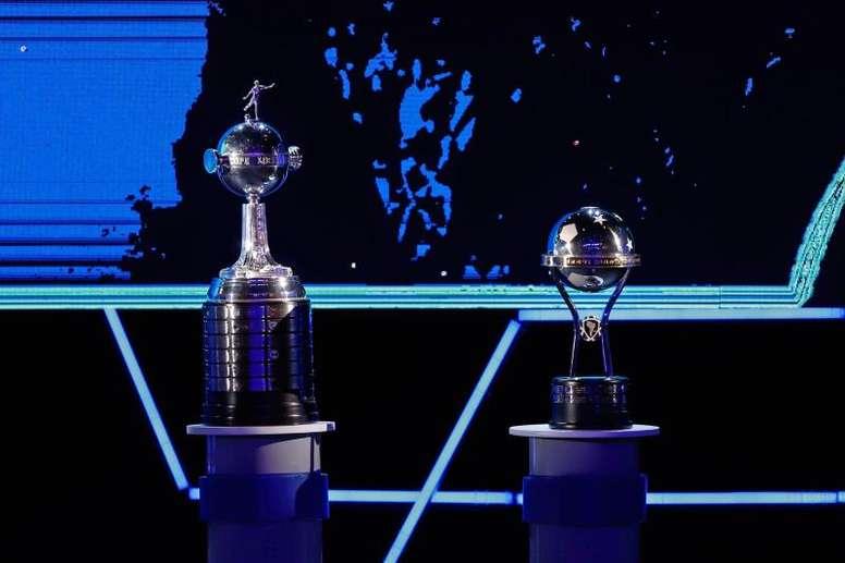 Libertadores y Sudamericana también tendrán cinco cambios. EFE