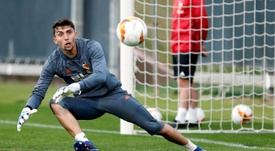 Valencia have Cillessen's replacement at home. EFE