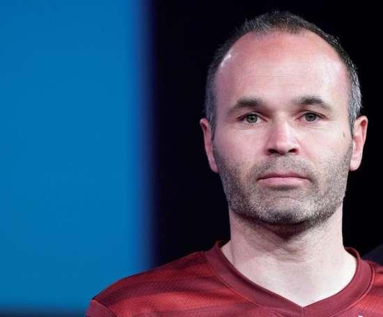 Iniesta falou sobre Arturo Vidal. EFE/Franck Robichon