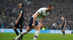 La blessure de Kane accentue la journée amère des Spurs. EFE