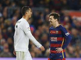 Carragher ha parlato della rivalità Messi-Ronaldo. EFE