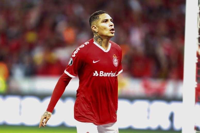 Paolo Guerrero pode ir ao Boca Juniors. EFE/ Marcelo Oliveira