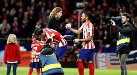 Filipe Luis, homenajeado por el Atleti, defendió a Diego Costa. EFE/ Mariscal