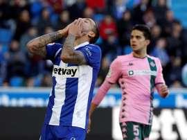 Un Betis en 'modo Pellegrini' examina a un Alavés con fantasmas. EFE