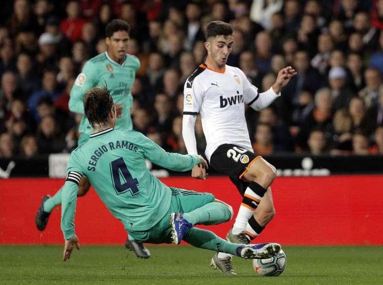 El Madrid entra en la carrera por Ferran Torres. EFE/Archivo