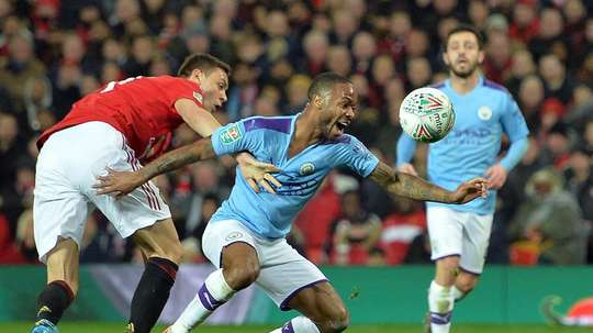 Manchester City e Manchester United disputam as semifinais da Copa da Liga Inglesa. EFE/PETER POWELL