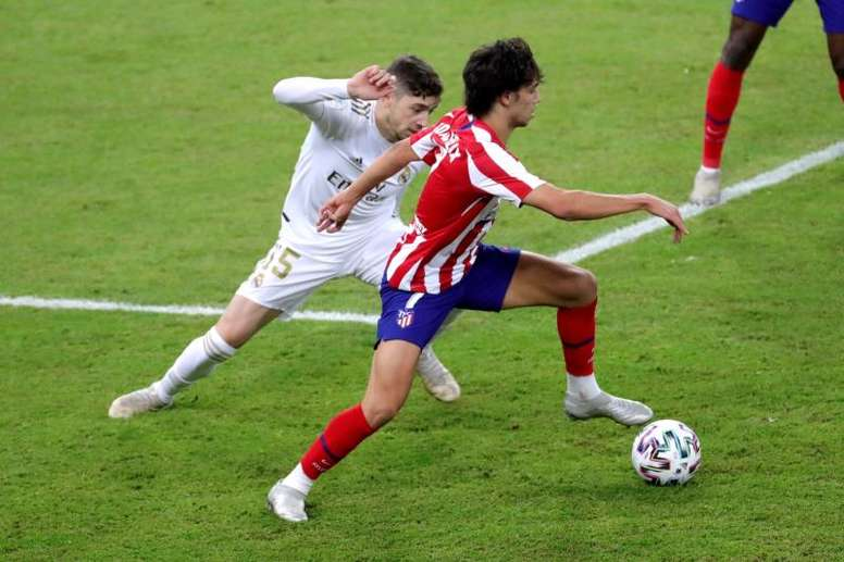 Betfair will pay those who bet on Atletico because of Valverde's tackle. EFE