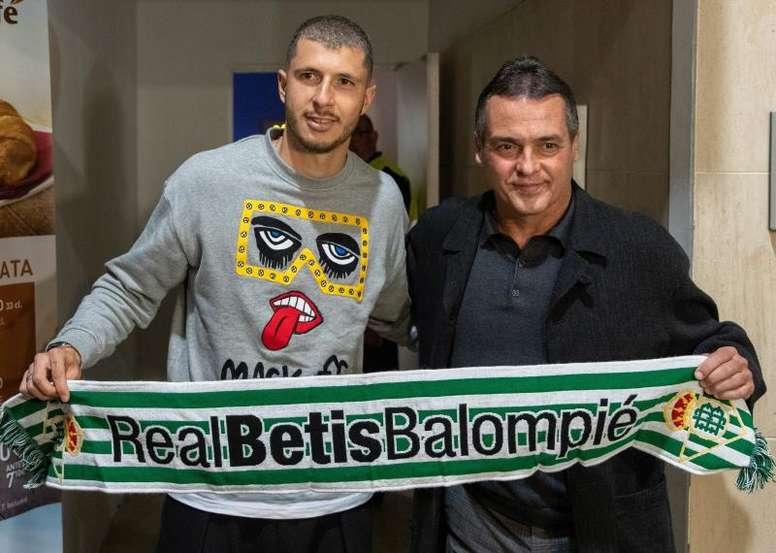 Betis officialise l'arrivée de Guido Rodríguez. EFE