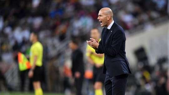 Zidane, Valverde y Courtois, el podio de triunfadores blancos. EFE