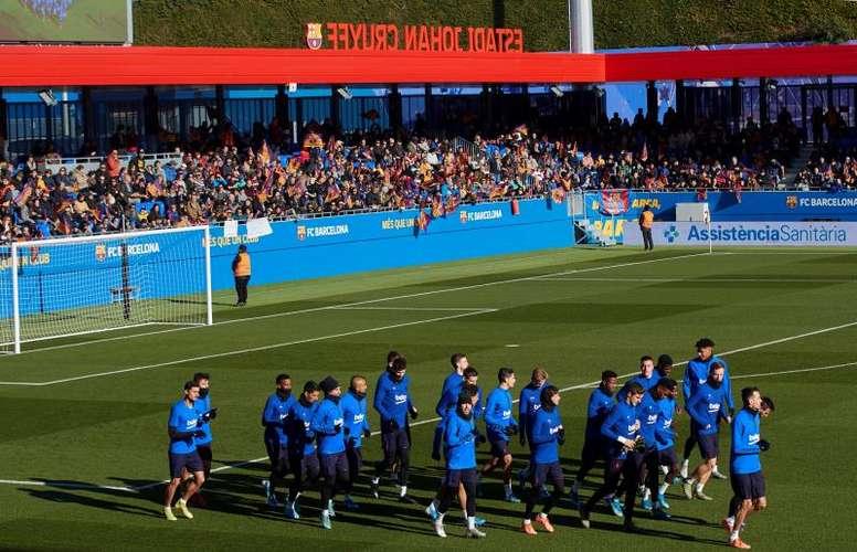 La UEFA visitó al Barcelona. EFE