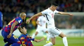 Busquets mostra a nova era do Barça. EFE/Enric Fontcuberta