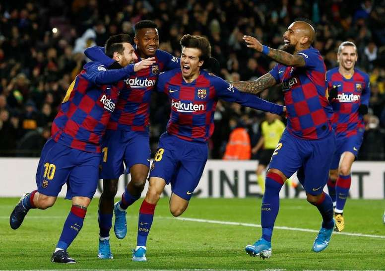 Barca are favourites. EFE