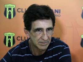 Gustavo Costas recibirá a un San José en apuros. EFE/Archivo