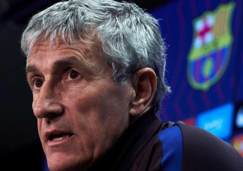 Barca could sign a striker. EFE