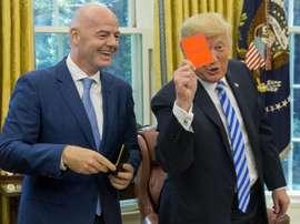Infantino, estrella junto a Trump en el Foro Económico Mundial. EFE/Michael Reynolds/Archivo