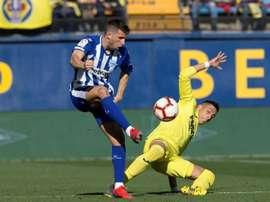 El Alavés y el Villarreal se verán las caras. EFE