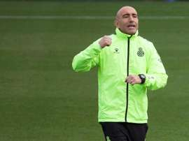 Abelardo confía en seguir la línea mostrada en los dos últimos partidos. EFE