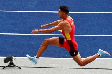 Salida de los 25.000 corredores inscritos en la edición número 39 del Maratón Valencia Trinidad Alfonso. EFE/ Juan Carlos Cárdenas/Archivo