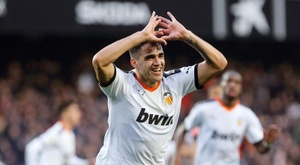 Maxi Gomez will be out for several weeks for Valencia. EFE