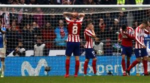 Atlético fica em campo e pede perdão à torcida. EFE/ZIPI