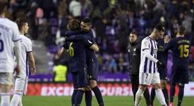 Os gols são divididos no Real Madrid. EFE / José C. Castillo.