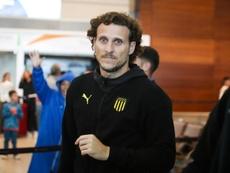 Peñarol vuelve y mira al estreno de Forlán. EFE/Raúl Martínez