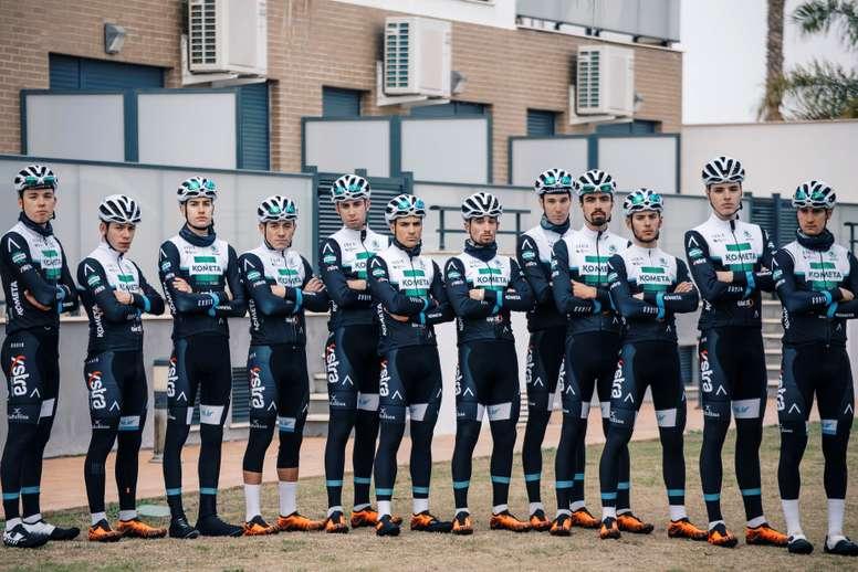 Fotografía facilitada por el Equipo Kometa Xstra de sus corredores de la categoría continental de ciclismo, Kometa Xstra de la Fundación Alberto Contador, durante su preparación de pretemporada en la localidad valenciana de Oliva. EFE/Equipo Kometa Xstra