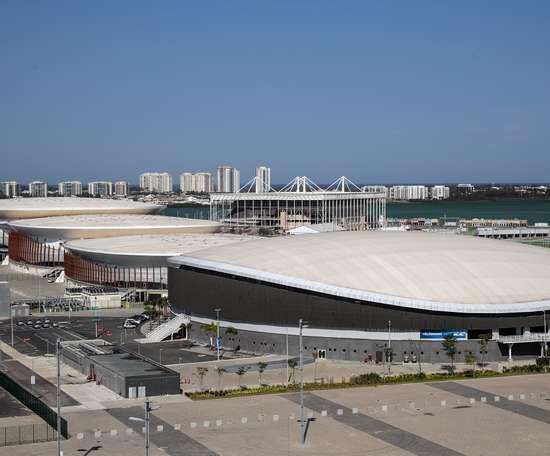 Las instalaciones olímpicas de Río de Janeiro han sido blanco de críticas y de investigaciones desde su construcción debido a que varias se convirtieron en elefantes blancos que nunca volvieron a ser usadas y a los millonarios desvíos de recursos públicos descubiertos durante las obras. EFE/ Antonio Lacerda./Archivo