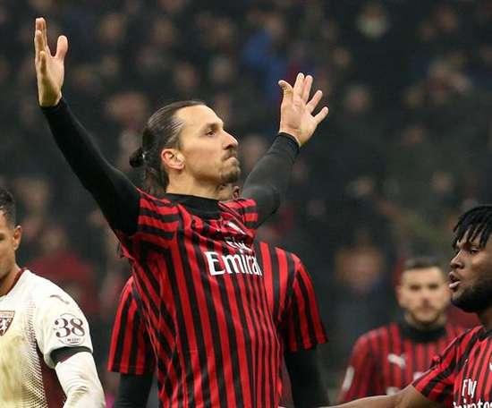 A Fiorentina entra na corrida por Ibrahimovic. EFE