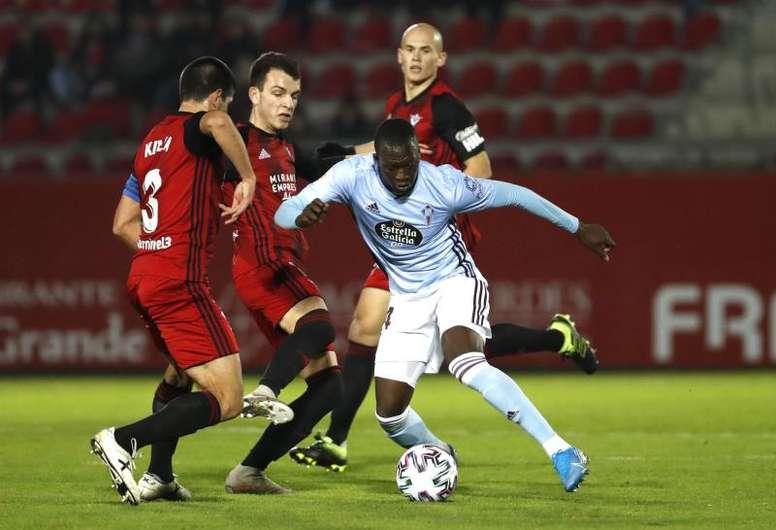 Cheikh se ejercitó de cara al choque contra el Valencia. EFE