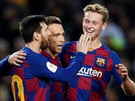 De Jong a passé en revue l'actualité du Barça. EFE