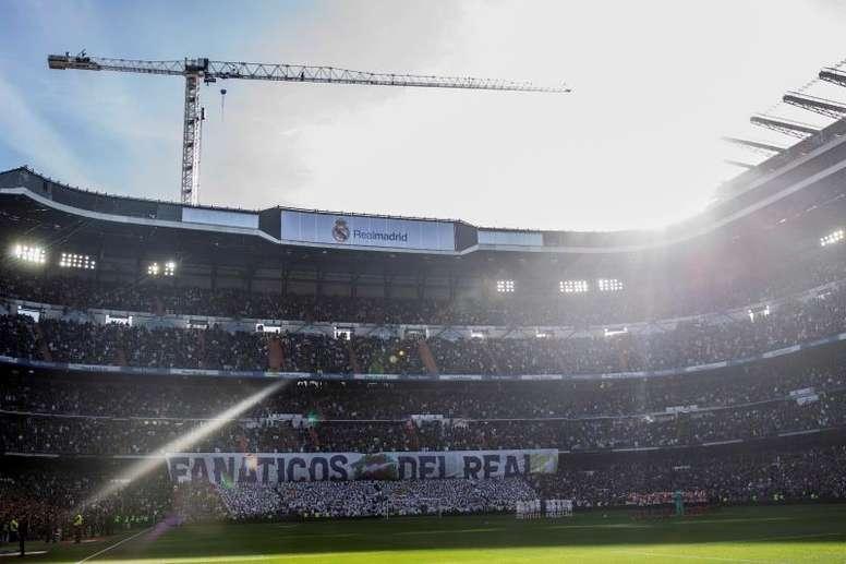 Le Bernabéu transformé en entrepôt de matériel médical. EFE