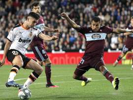 Ferran Torres is still not clear he wants to renew at Valencia. EFE