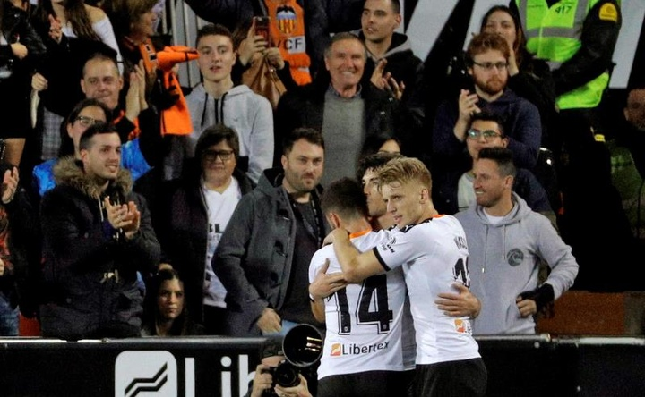 Valencia want to renew Wass. EFE