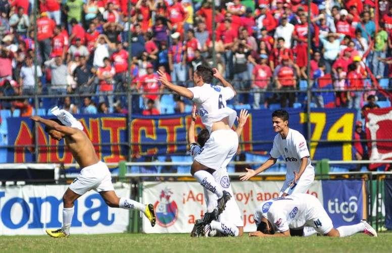 El Clausura de Guatemala puede volver en mayo. EFE/Luis Soto/Archivo
