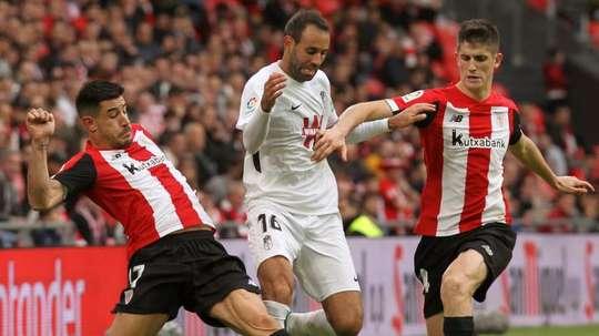Quem sai jogando pelo Athletic e pelo Granada. EFE/Miguel Toña