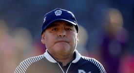 La cuarentena de Maradona: visitas médicas, pescado a la pizza y bici estática. EFE